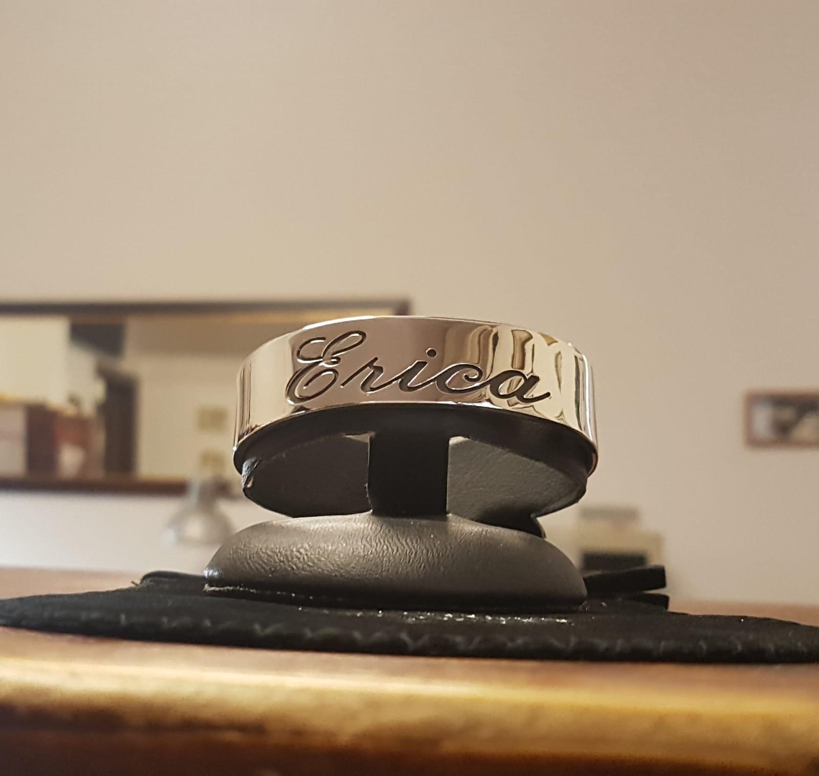 anello personalizzato con incisione nome di gioielli argento Otello Santucci