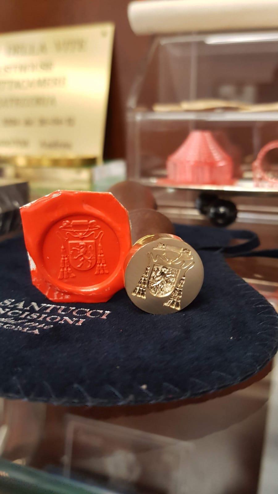 Potachi in argento con incisione a mano libera di Otello Santucci